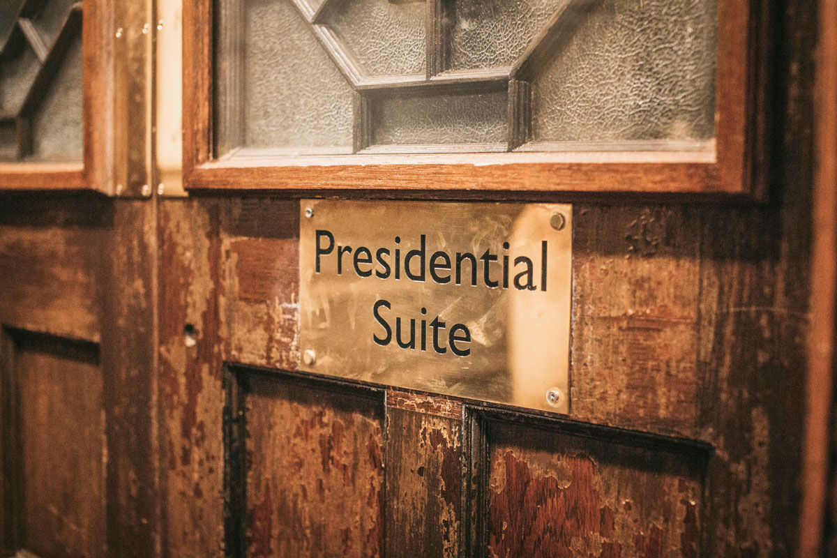 sign for the presidential suite